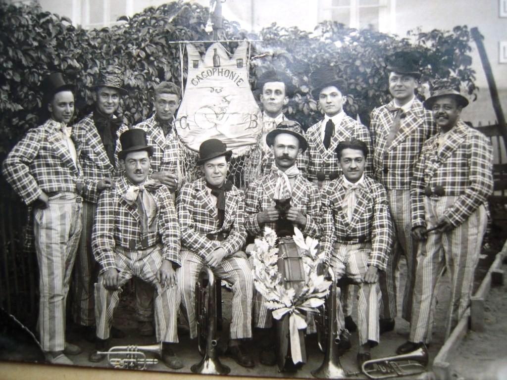 La Cacophonie en 1935