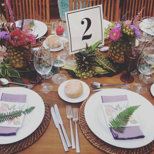 Mesa decorada por Madreselva. Foto de @betwinsshop en Instagram