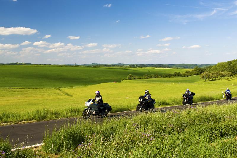 Motocyclistes bienvenue, tours moto voyages