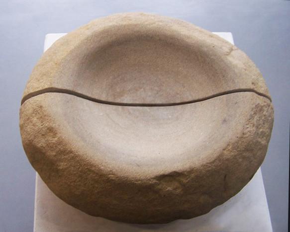 Nontainer: Modell für einen Brunnen, Sandstein