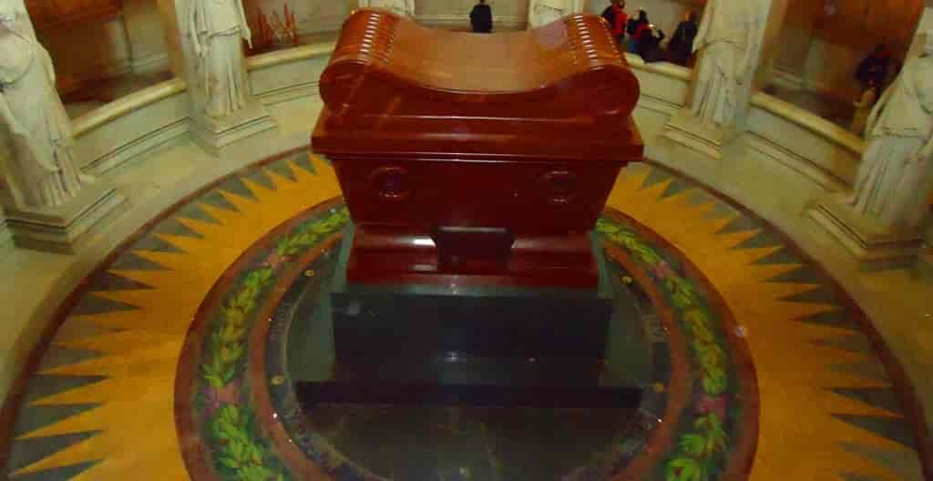 Тайны красного порфира гробницы Наполеона