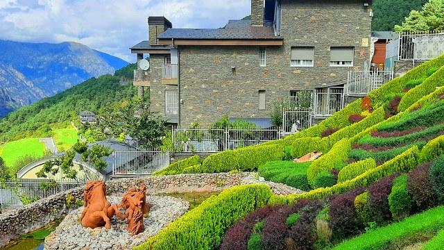 Андорра - парк скульптур Джуберри