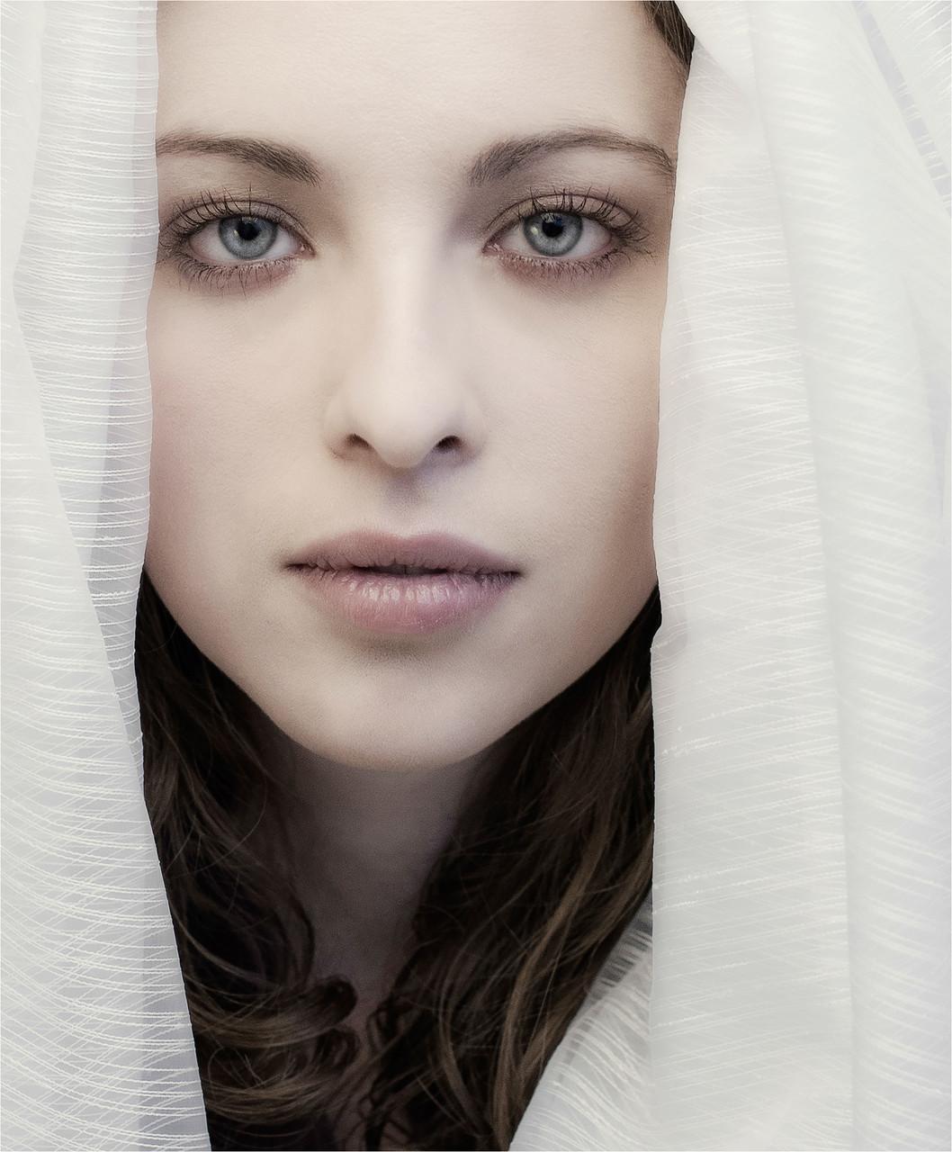 Chantal Serene-Le voile blanc
