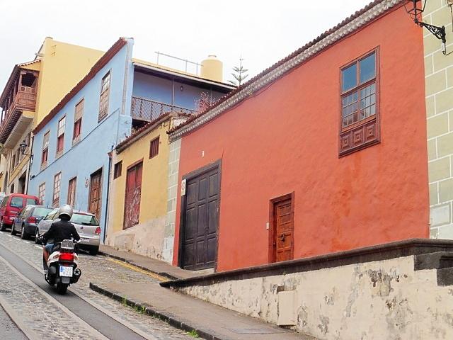 Blick auf das Haus von der Strasse