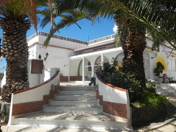 Eingangstreppe vom Chalet mit Gästehaus bei La Chayofa zum Kauf auf Teneriffa