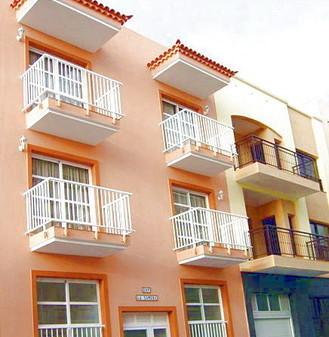 Lnagzeitmiete am Playa San Juan in einem gepflegten Wohnhaus.