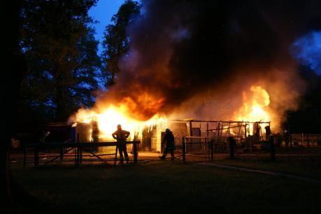 ... am Morgen des 04. Juli brannte er komplett ab