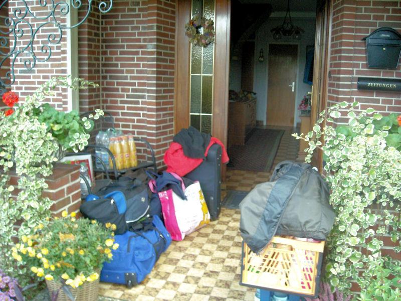 Gepäck & Verpflegung für etwa zwei Wochen...   ;-)