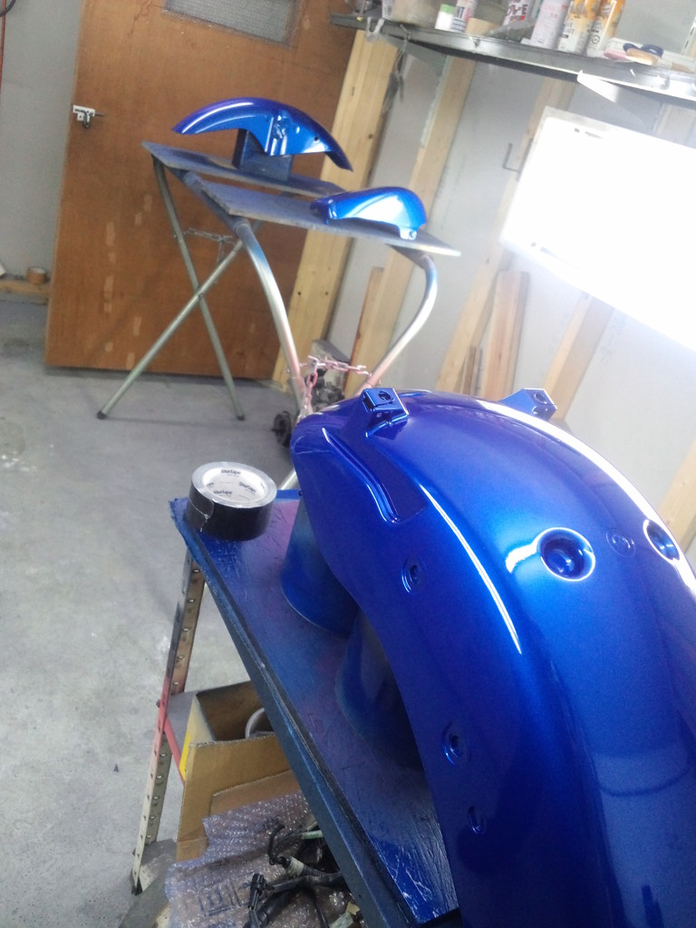 地下に塗装部屋完備☆ プロが綺麗に仕上げてくれます