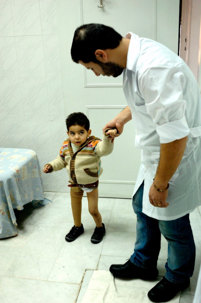 Experts in artificial limbs - Tdh Syria - Damascus - Syria © François Struzik - simply human 2011