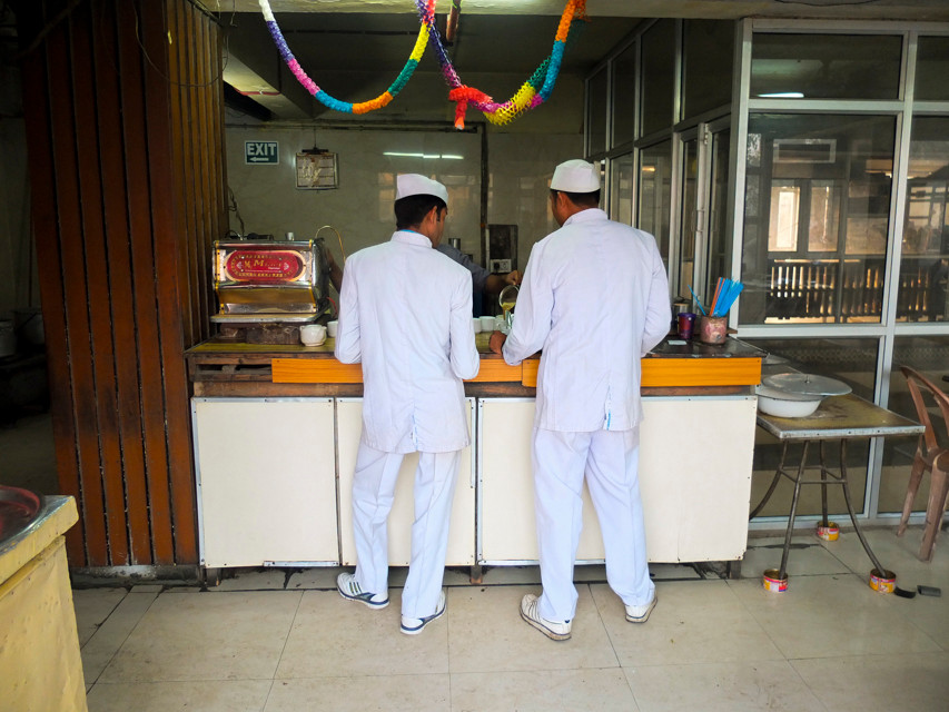 Indian Coffee House, New Delhi - © François Struzik - simply human 2015