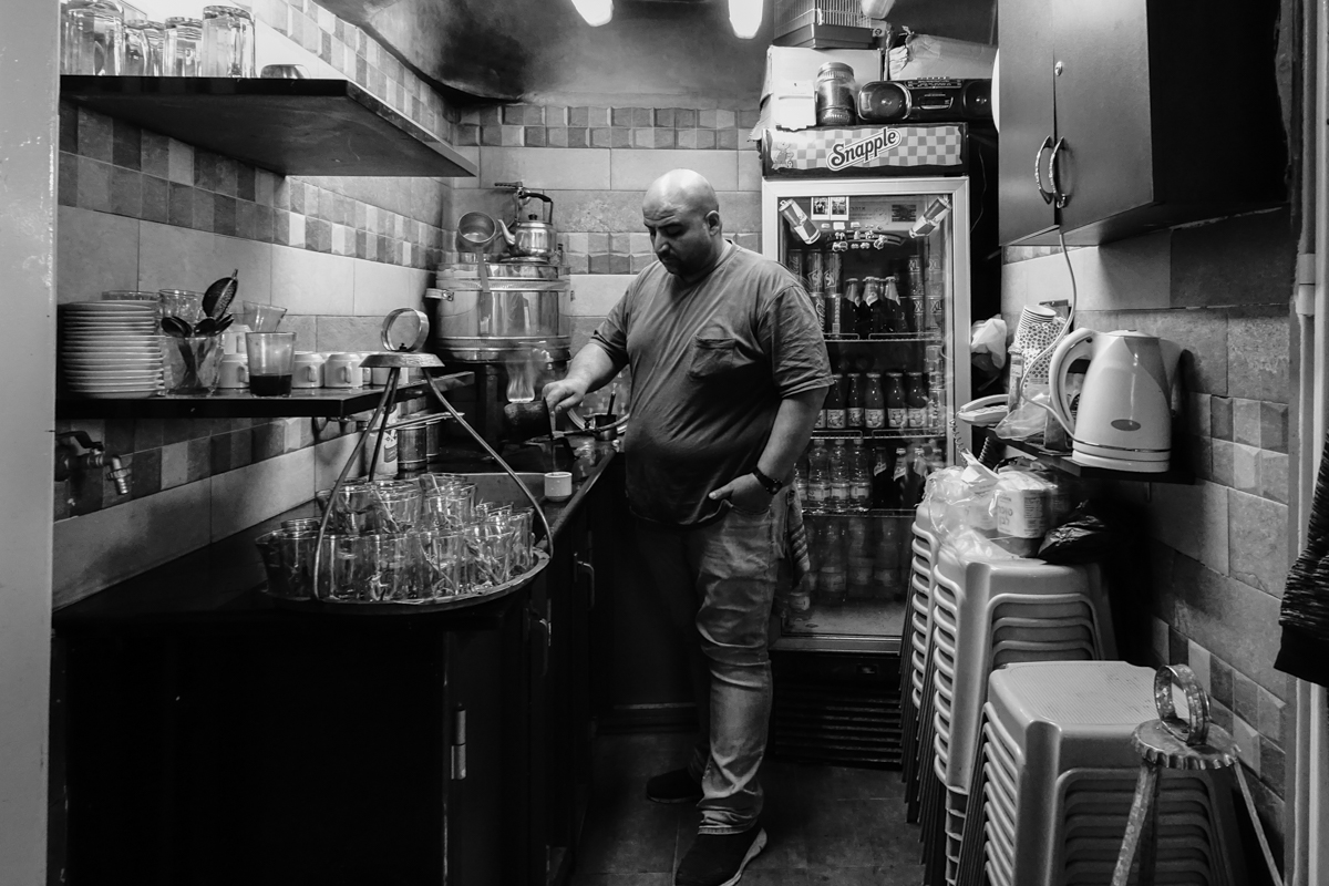 A coffee stall in the soukh © François Struzik - simply human 2019 - Jerusalem