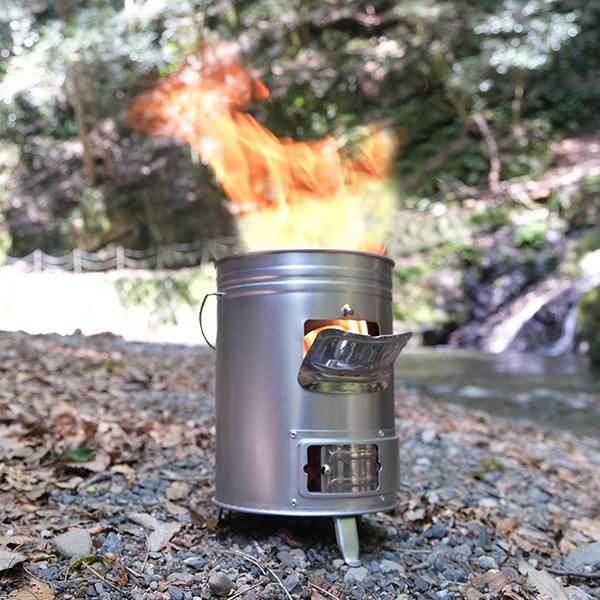枯れ枝や落ち葉で簡単に着火