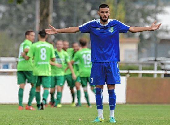 Burak Gülmez ist ratlos. Gegen Bilfingen musste Fußball-Verbandsligist TSV Amicitia Viernheim die nächste Niederlage einstecken.
