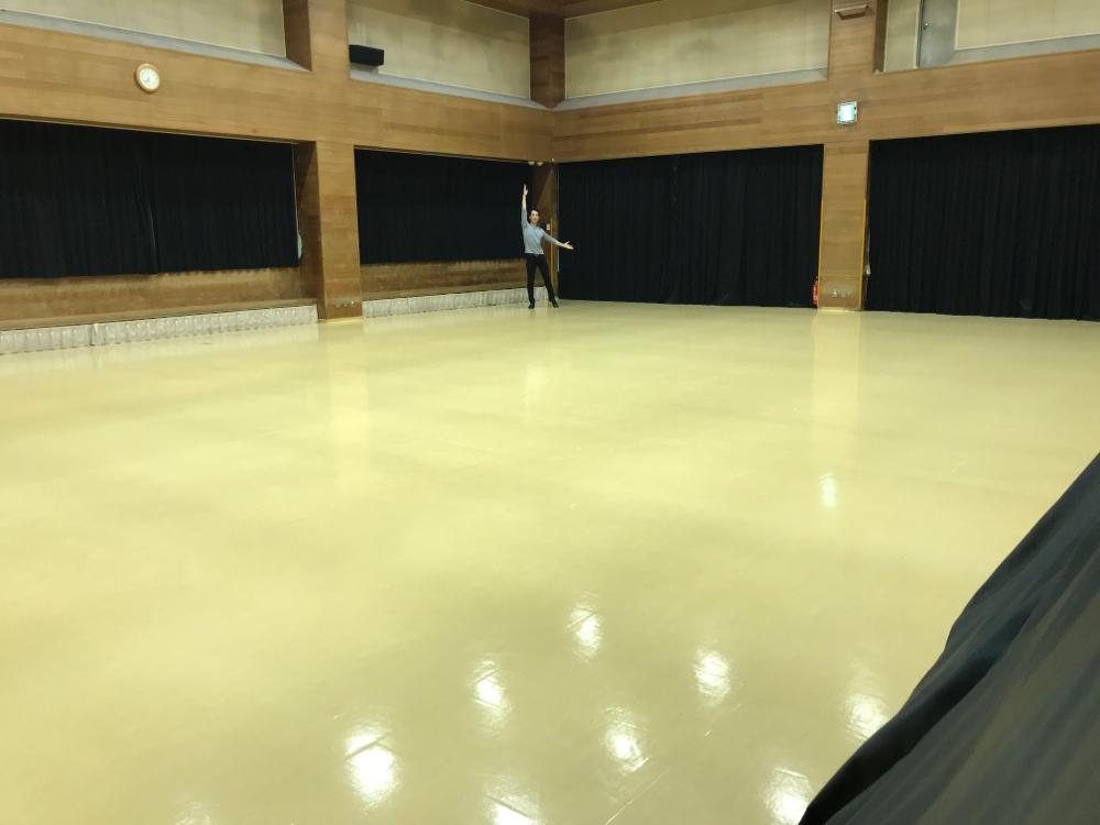 集会室兼体育室 (すごく広い!)