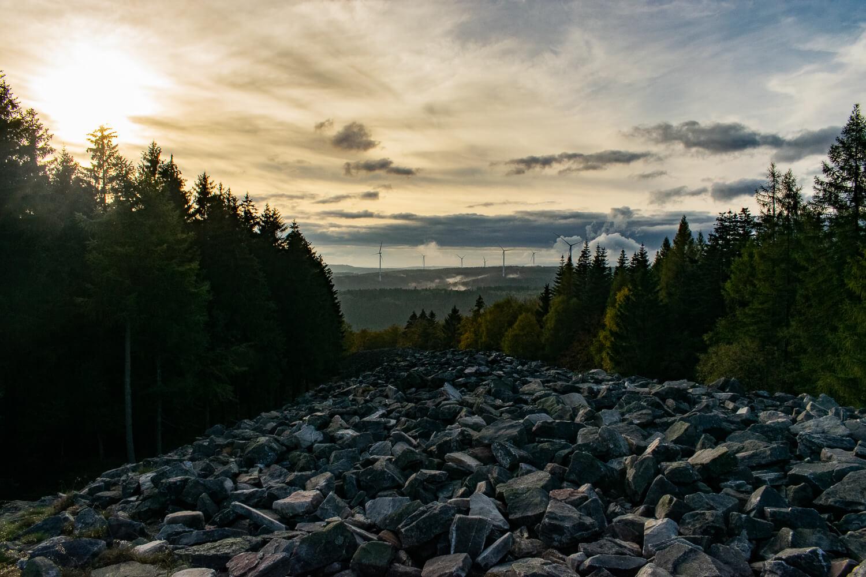 Sonnenuntergang am keltischen Ringwall