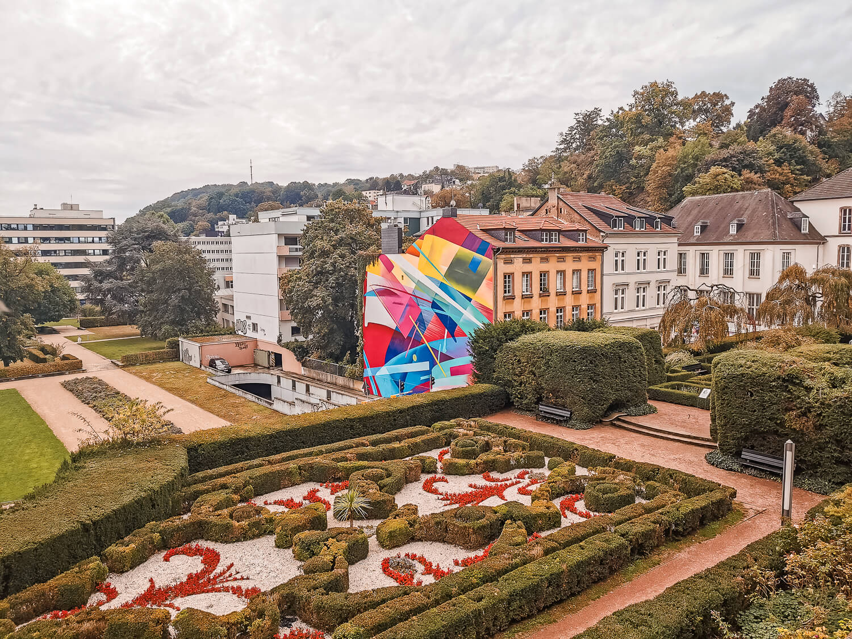 Schlossgarten mit Streetart-View
