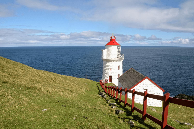 Der Leuchtturm auf Nolsoy...