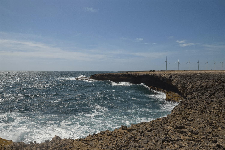 Die schroffe Küste im Arikok Nationalpark