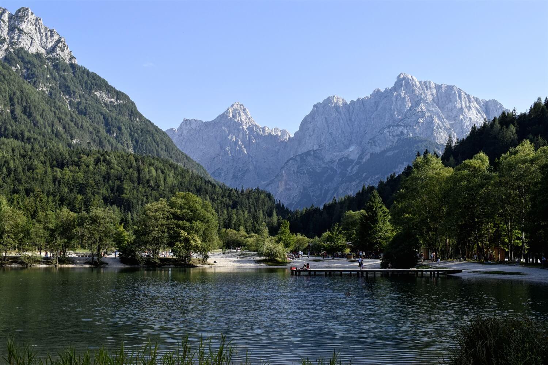 Am anderen Ende des Vršič Passes warte der idyllische Jasna-See