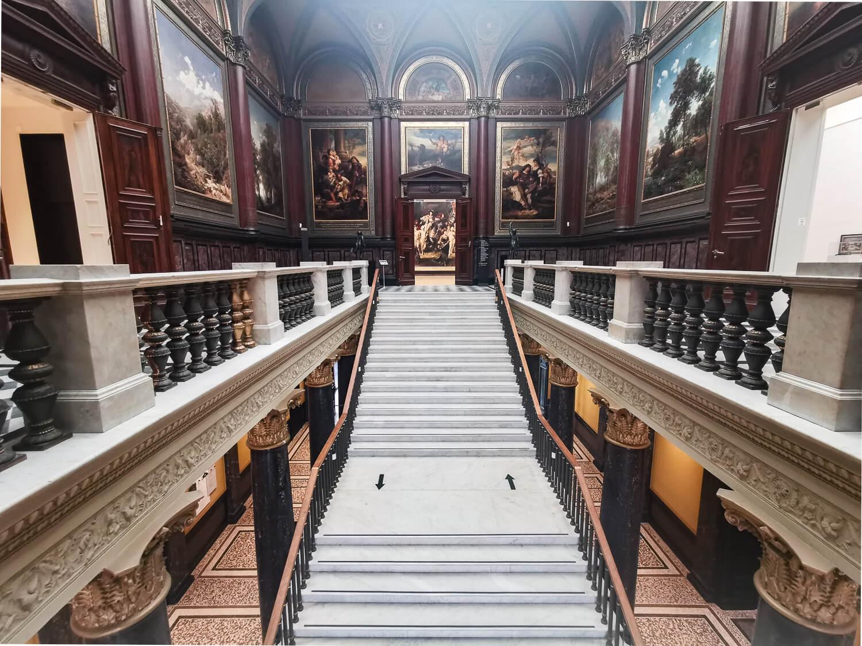 Der imposante Eingangsbereich der Kunsthalle