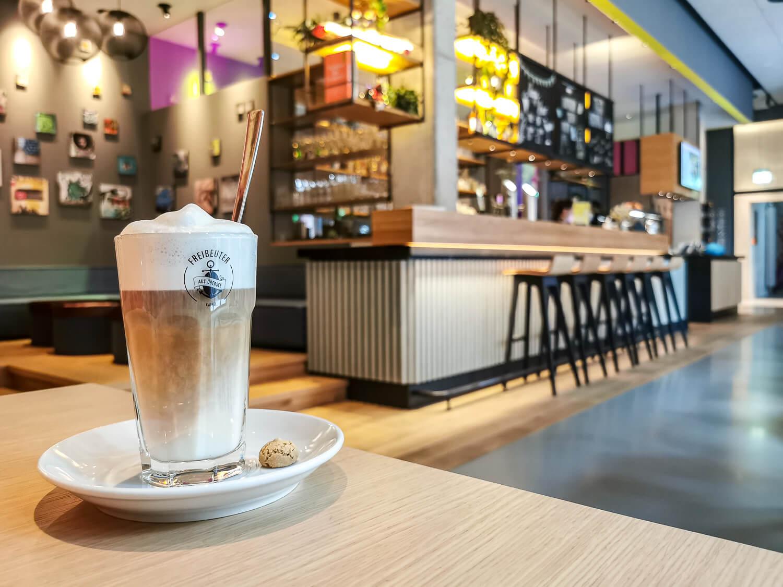 Ein Kaffee am Morgen, vertreibt auch im CAB20 Kummer und Sorgen!