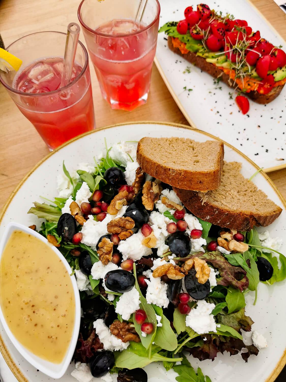 """Frischer Lunch im """"lieb.es"""" mit Produkten aus der Region"""