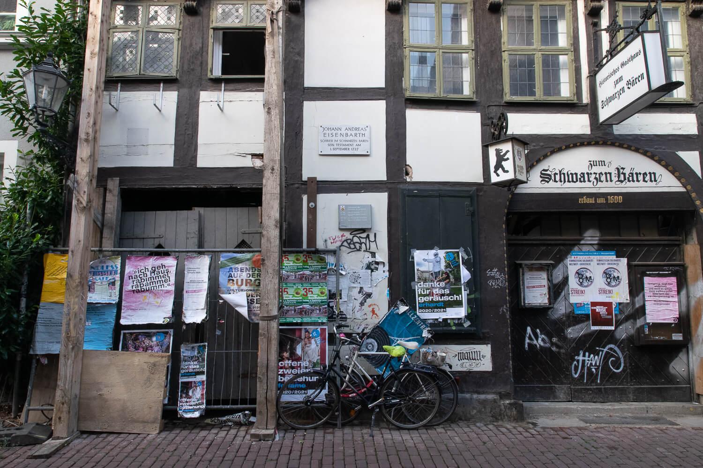 Der Wanderarzt Eisenbarth hat auch Göttingen einen Besuch abgestattet (Düstere Straße)