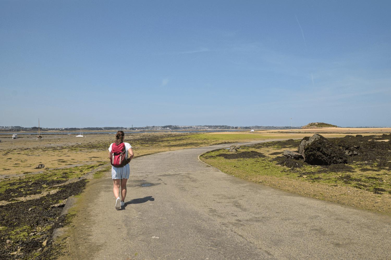 Bei Ebbe kann man zur Île Callot hinüber gehen.