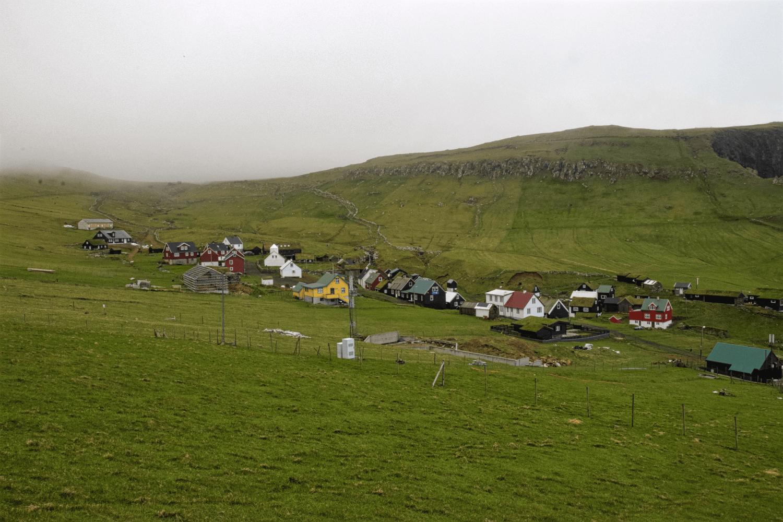 Der kleine Ort Mykines auf der Insel Mykines