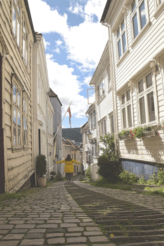 Die fotobekannte Straße Knøsesmauet