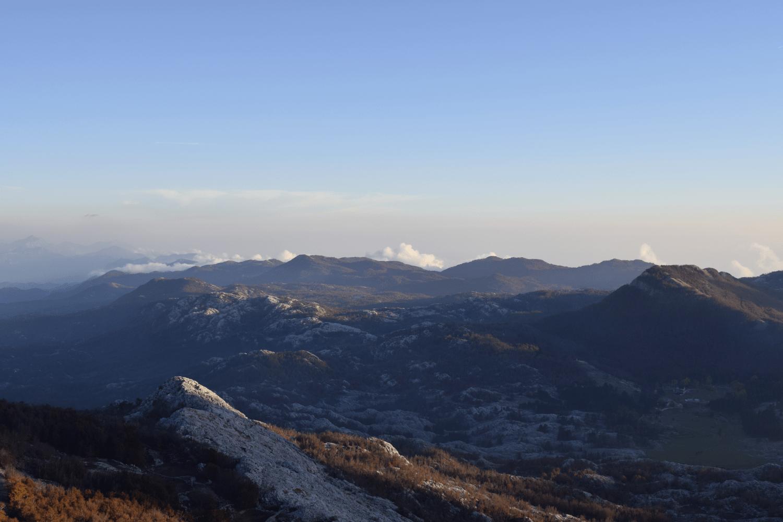 Der Ausblick über Montenegro und seine Grenzen hinweg