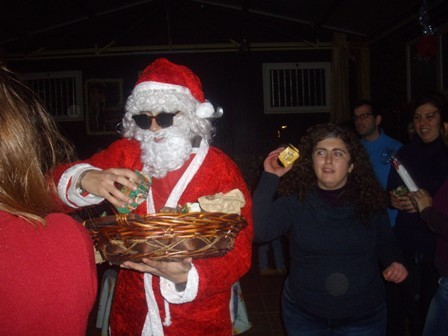 Babbo Natale distribuisce i doni