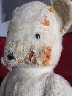 Réparer un ours en peluche