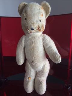 En route pour la Clinique des poupées et des ours en peluche d'Eric Giovannini
