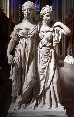 公女ルイーゼとフリーデリーケ二人の立像