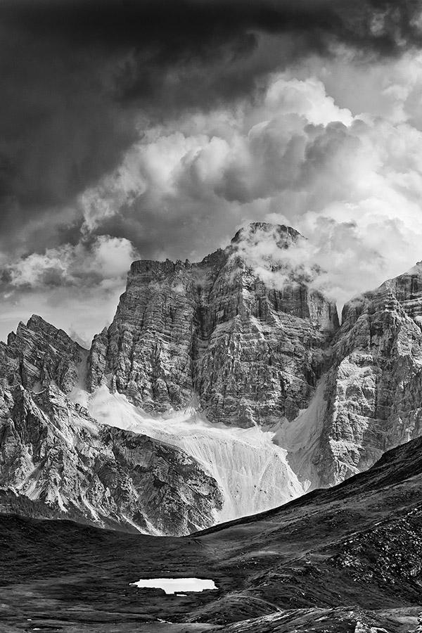 Gianni Maffi -  Il Monte Pelmo visto da Mondeval, Belluno (2012)