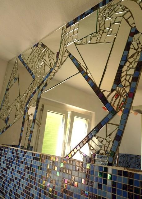 Roswitha Farnsworth - Spiegelmosaik im Bad