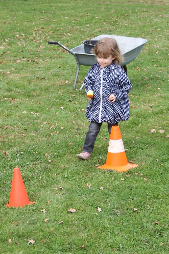 Eier-Slalom-Lauf
