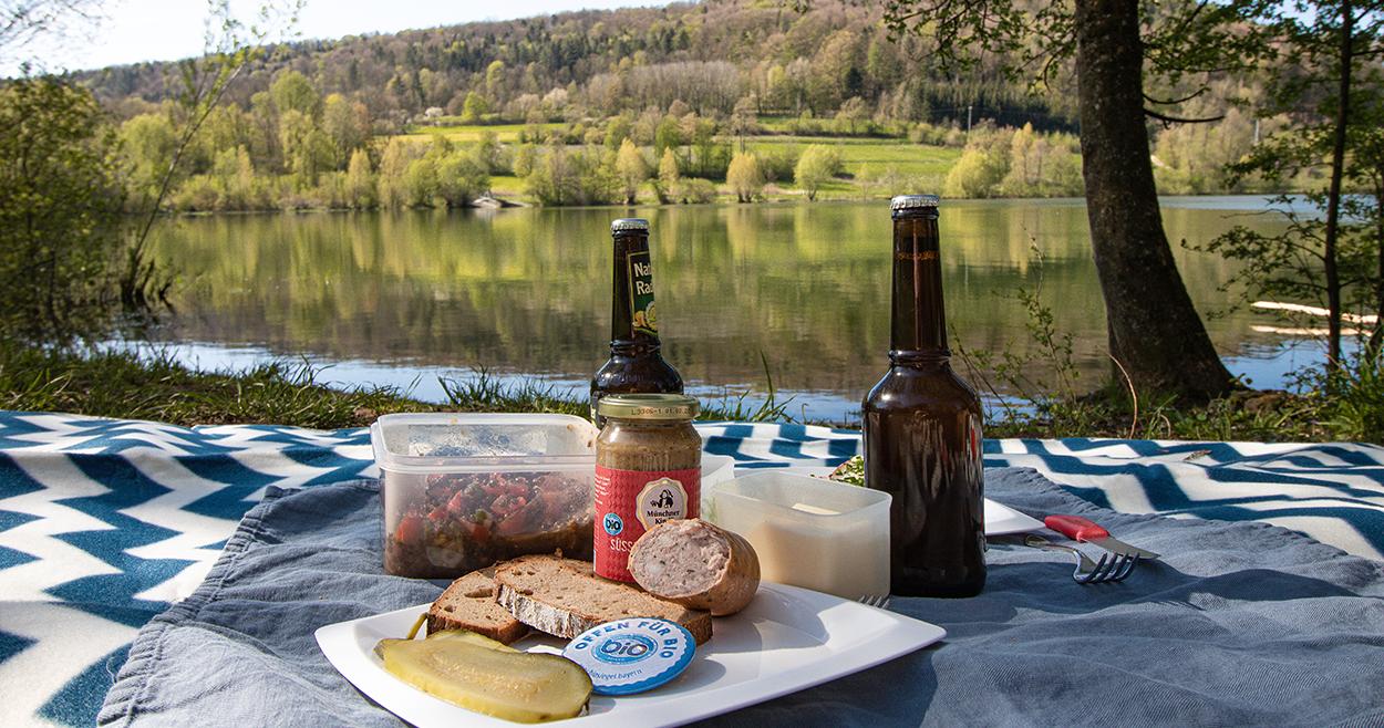Wandern mit Picknick in Franken, Hoch zur Houbirg