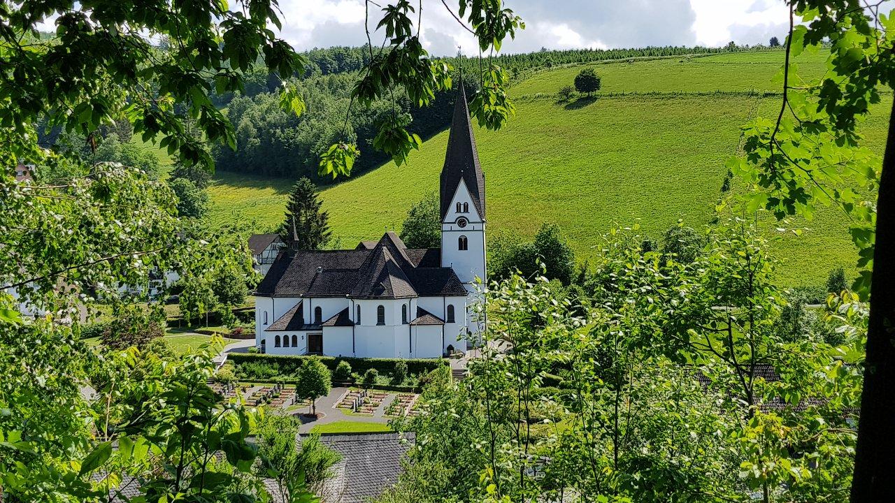 Tobias Heimes - Blick auf die Kirche - Mai 2018