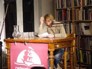 """Benjamin Maack beim """"Kaffee.Satz.Lesen"""""""