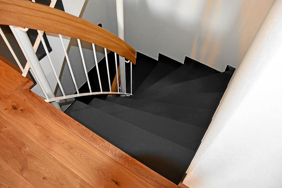 Anstrich Treppe und Handlauf