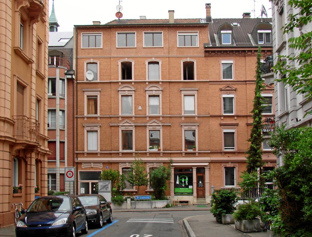 Mehrfamilienhaus in Basel verkauf durch das MAEX-Team. Dannach diverse Sanierungen.