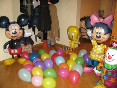 Ходячие фигуры с гелием (одна) - 1200 руб, шарик на пол - 5 руб. за шт.