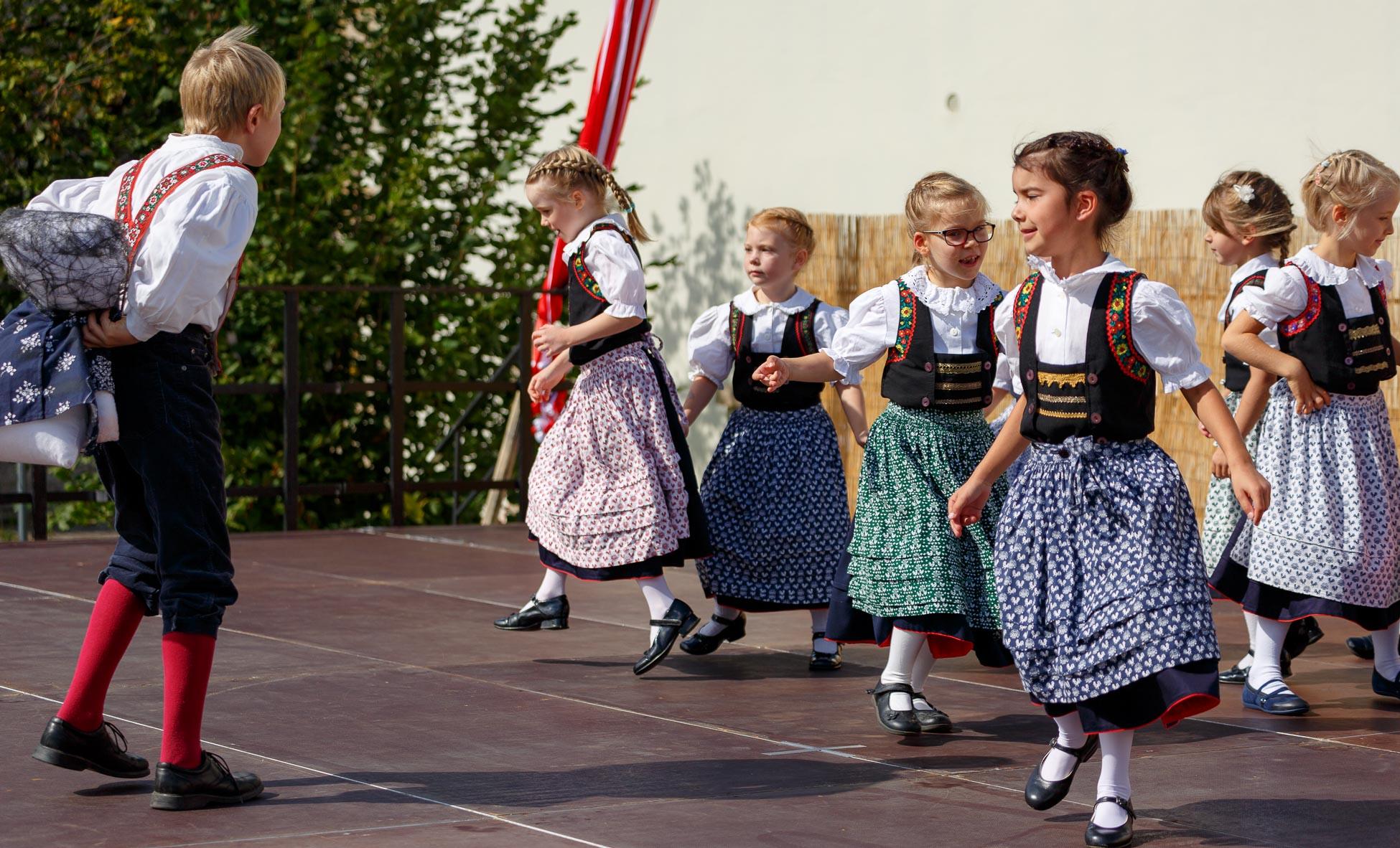 Gruppe Ricarda Metz-Neubacher: Montag von 16:15 bis 17:15 Uhr, Altersjahrgänge 2010 bis 2012