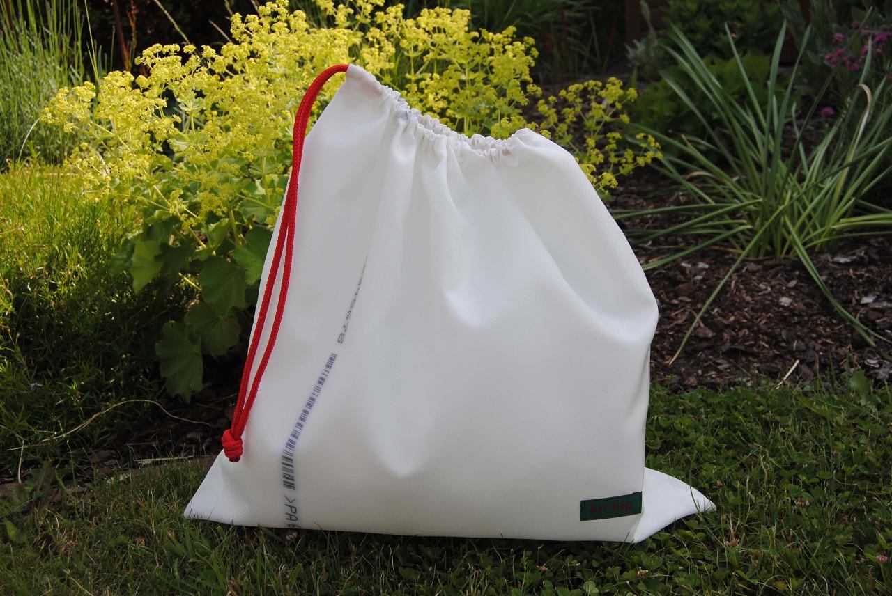 w schebeutel van kar bag designertaschen aus recyceltem. Black Bedroom Furniture Sets. Home Design Ideas