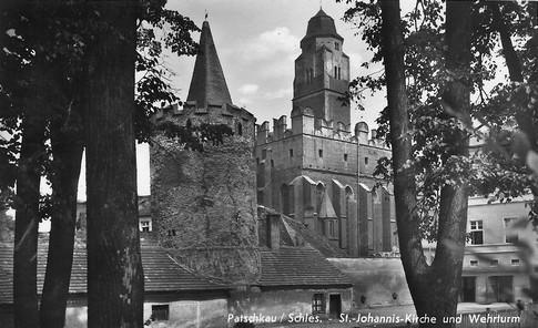 """Kirche mit Wehrturm, der sogenannte """"Heroldblick"""""""