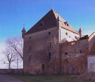 Der Gutshof , heute Ruine  (HR)