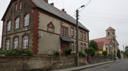 Schule und Kirche  (Go)
